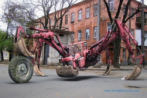 strange-russian-tractor